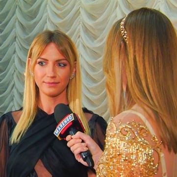 Леся Нікітюк розповіла, чому прийшла на червону доріжку «Viva! Найкрасивіші» з ластами в руках