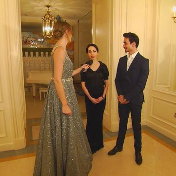 Балерину Катерину Кухар зі званням «народної артистки» заздрісники привітали битим склом на сходах