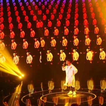 MONATIK запалив зал новим хітом у прямому ефірі Голосу країни