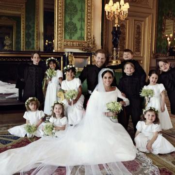 У мережі з'явилися перші офіційні фото з дня весілля принца Гаррі та Меган Маркл
