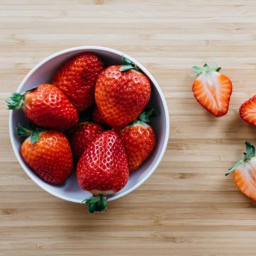 Чим корисна полуниця та як її правильно вживати