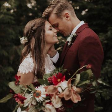 5 головних трендів весільних зачісок у 2018