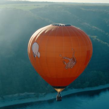 Неймовірний політ над хмарами: 1+1 представив зворушливий ролик