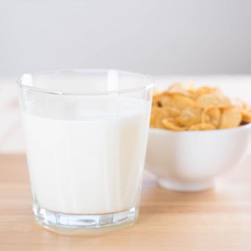 Рослинне молоко чи тваринне: Що корисніше?