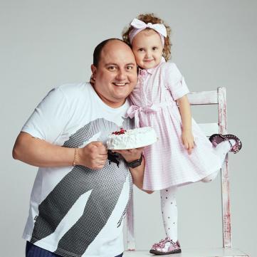 Юрій Ткач замилував світлинами з кучерявою донькою