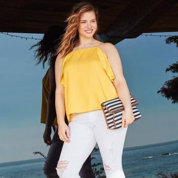 З чим носити білі брюки: 5 безпрограшних комбінацій