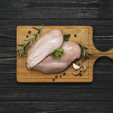 Чому не можна мити курку перед приготуванням