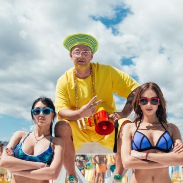 MOZGI випустили пляжний кліп із гарячими танцями
