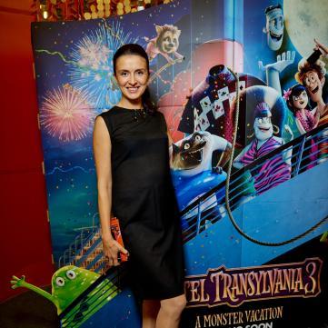 Валентина Хамайко завітала на прем'єру Монстри на канікулах-3 з шістьма дітьми