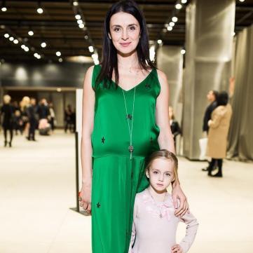 Валентина Хамайко з молодшою дочкою
