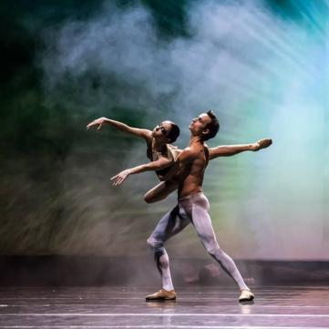 на фото Катерина Кухар і Олександр Стоянов, балет