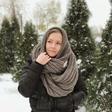 Олена Шоптенко серед снігу