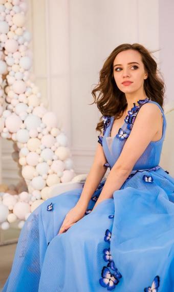 Ірина Кудашова у чарівній сукні