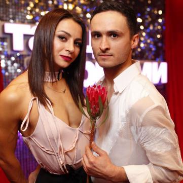 на фото Ігор Ласточкін та Ілона Гвоздьова