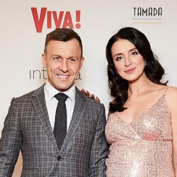 Вагітна Хамайко у тендітній сукні та «русалка» Полякова: Зірки 1+1 на вечірці Viva!