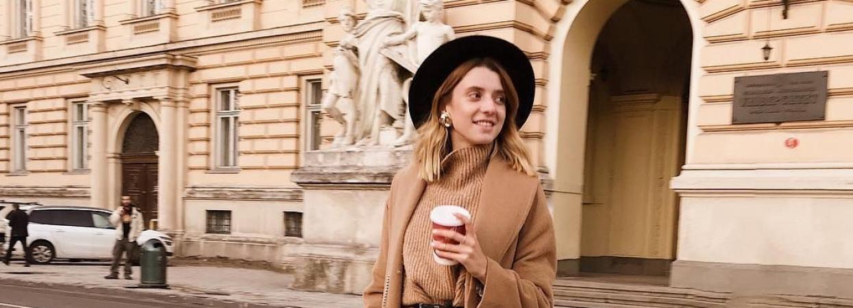 пальто светр капелюх