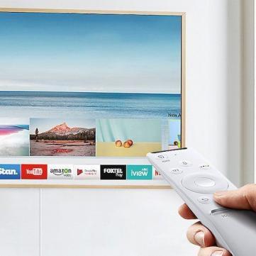 Телевізор, пульт