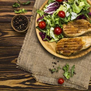 на фото салат без майонезу