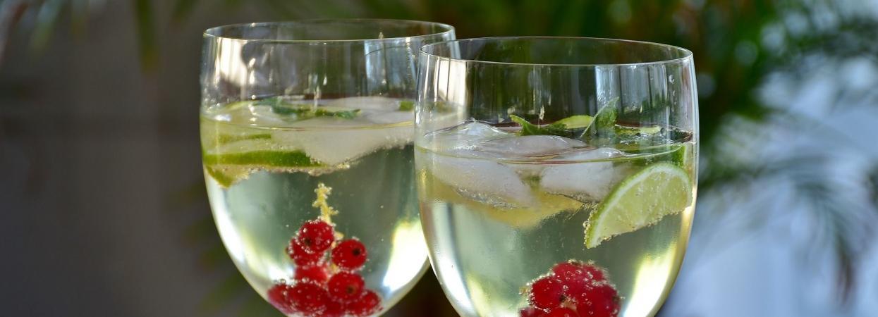 напій коктейль газована вода