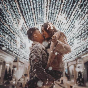 закохана пара на Новий рік