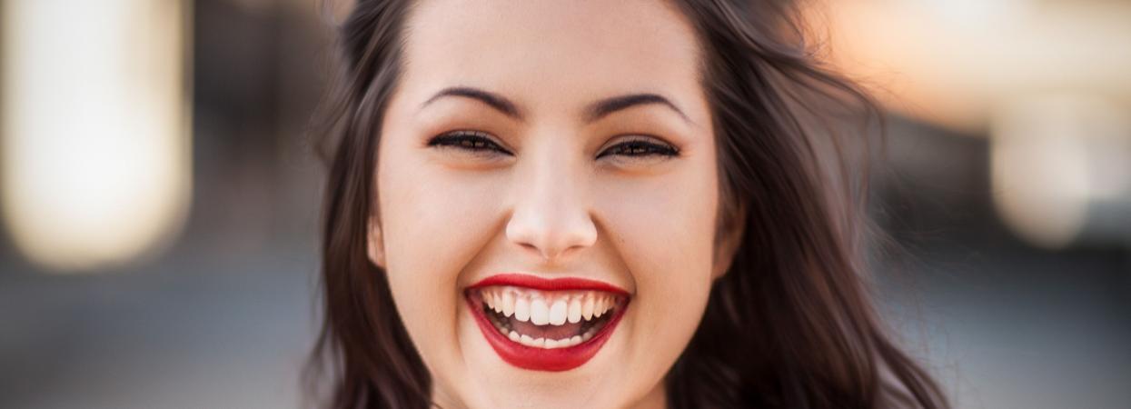 Девушка улыбается, Цифра дня