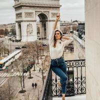дівчина подорож