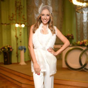 Катя Осадча без макіяжу зачарувала весняним фото