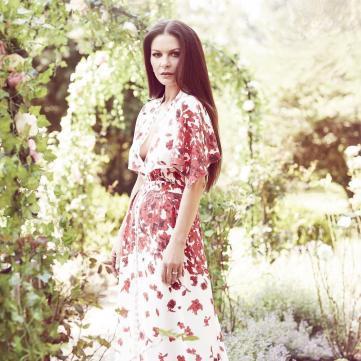 Як носити горох цієї весни: Вчимося у Кетрін Зети-Джонс