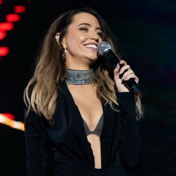 Сексуальні сідниці та відверте декольте: Дорофєєва вразила вбранням на YUNA-2019