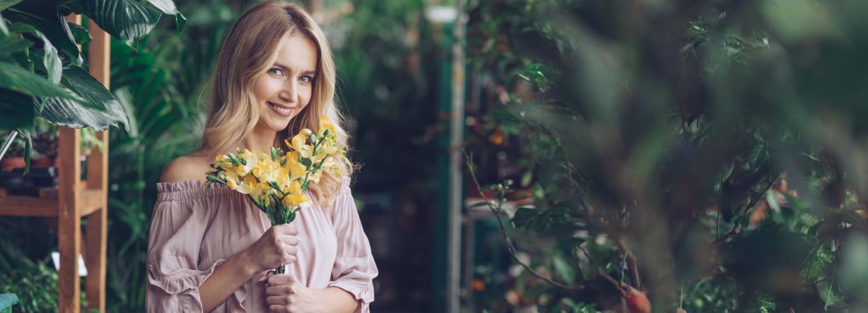 дівчина, весна, квіти