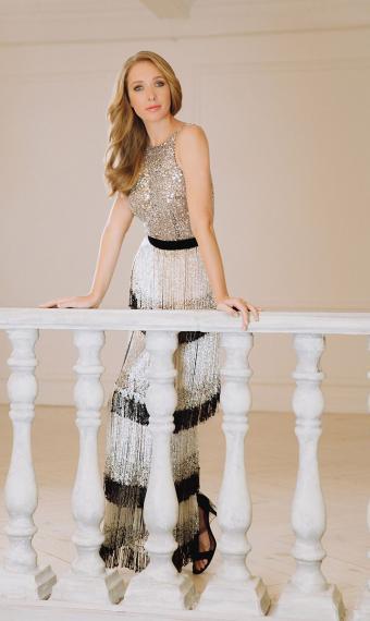 Катя Осадча у вечірній сукні
