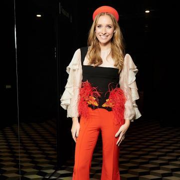 Катя Осадча вразила сукнею зі сміливим розрізом (фото)