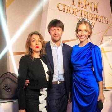 Екс-голкіпер «Динамо» Олександр Шовковський  представив «Світському життю» свою обраницю і зізнався, чи планує поповнення в родині