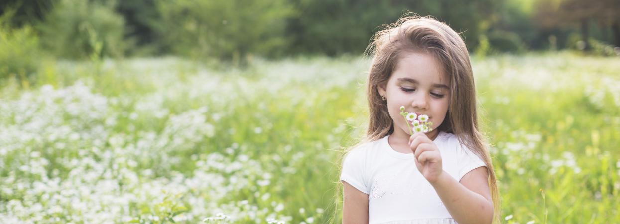 дівчинка, квіти, весна