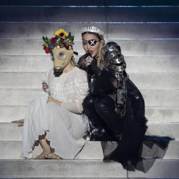 60-річна Мадонна вразила скандальним шоу на Євробаченні-2019 (відео)