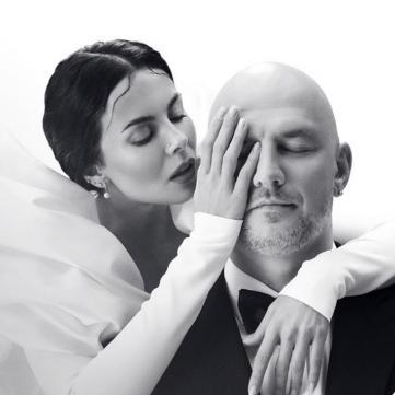 Від ненависті до весілля: «Світське життя» відстежило, як розвивався службовий роман Потапа і Насті. Унікальні свідчення молодят