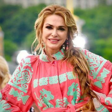 «Вона чогось «баба» на мене не каже!»: Ольга Сумська розповіла, як виховує онучку