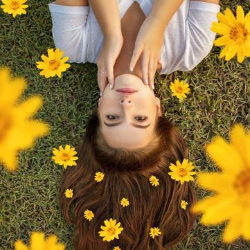 дівчина, ромашки, квіти