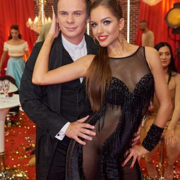 Дмитро Комаров таємно одружився зі своєю партнеркою по Танцях з зірками