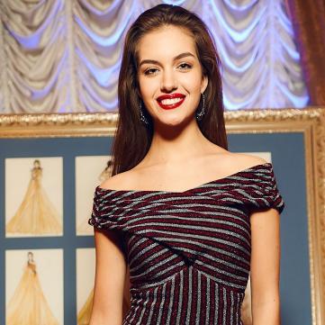 Дружина Комарова показала ідеальну сукню для романтичного побачення (фото)