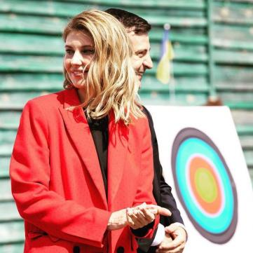 Битва образов: Елена Зеленская, Иванка Трамп и королева Летиция в красных костюмах