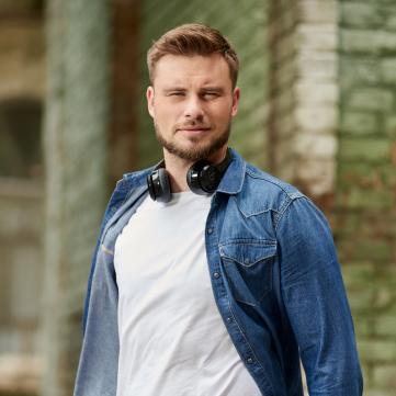 Єгор Гордєєв, ведучий Сніданку з 1+1