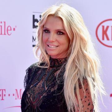 Бритни Спирс в соблазнительном наряде на Billboard Music Awards 2016
