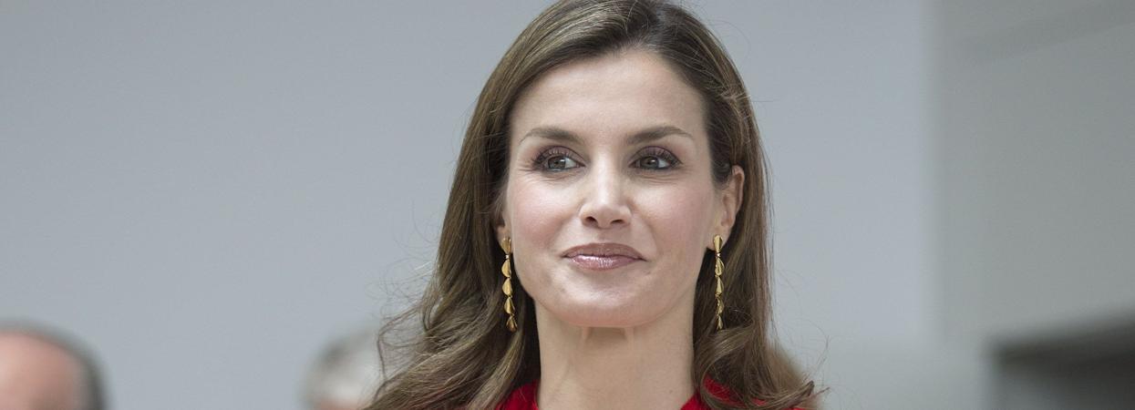 Королева Іспанії Летиція в червоній сукні