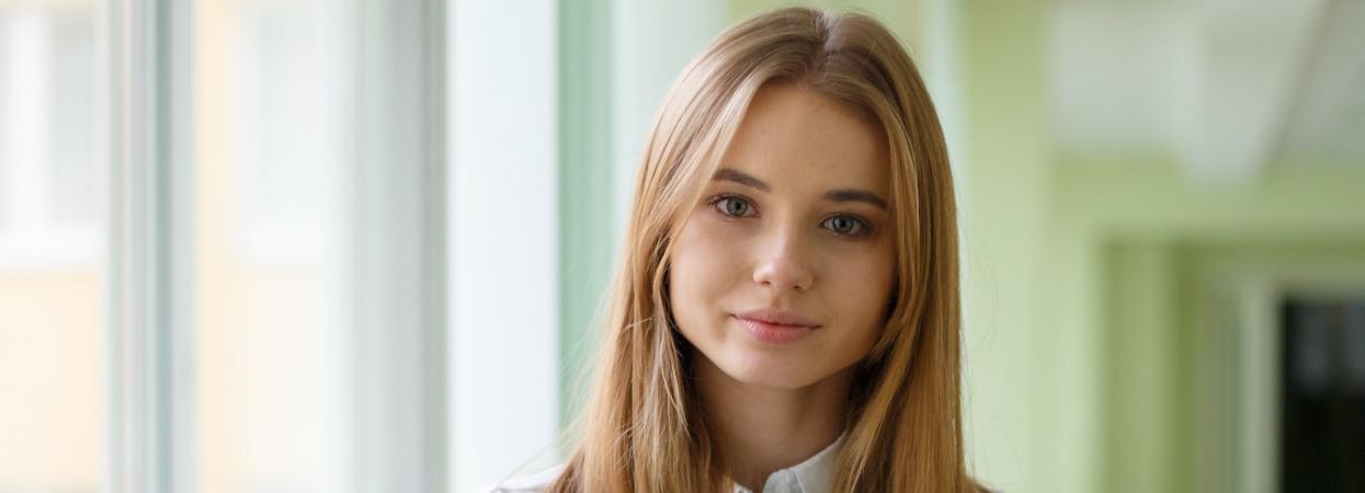 ліза василенко акторка серіалу школа