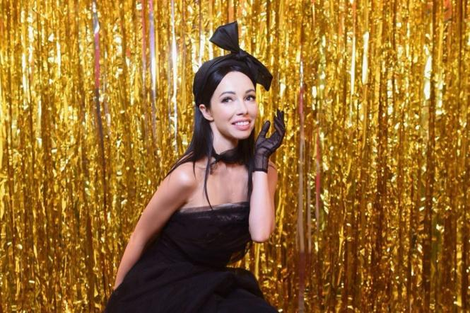 катерина кухар у чорній сукні на танцях з зірками