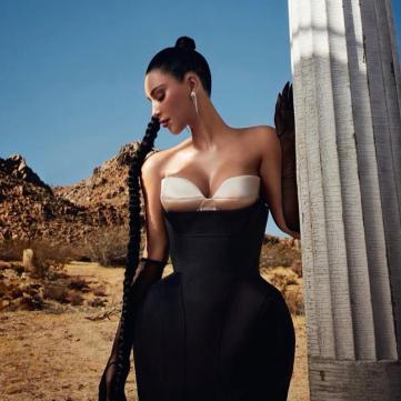 Ким Кардашян для вог