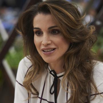 Королева Йорданії Ранія в діловому образі