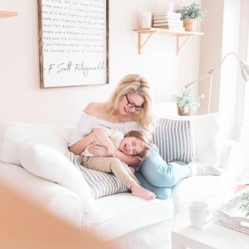 Мама и ребенок.