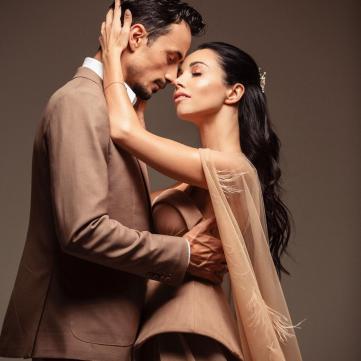 Катерина Кухар захопила лебединою весільною сукнею у прямому ефірі «Танців з зірками»
